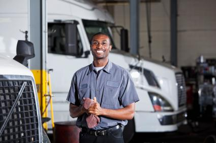 Heavy vehicle mechanic